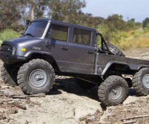 1:10 Axial® UMG 6X6 RTR RC Rock Crawler review