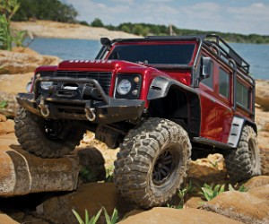 1:10 Traxxas TRX-4 Scale and Trail Crawler with fully licensed and highly detailed Land Rover Defender body review