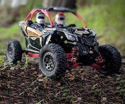1:18 Axial Jr. Can-Am Yeti Maverick X3 RC Rock Racer review