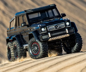 1:10 Traxxas TRX-6 Scale and Trail Crawler with Mercedes-Benz G 63 AMG 6x6 Body review