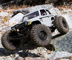 1:10 Axial Wraith Spawn RC Rock Racer review