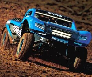 1:8 Traxxas Unlimited RC Desert Racer